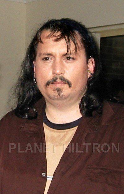 johnny-depp-sexy-moustache