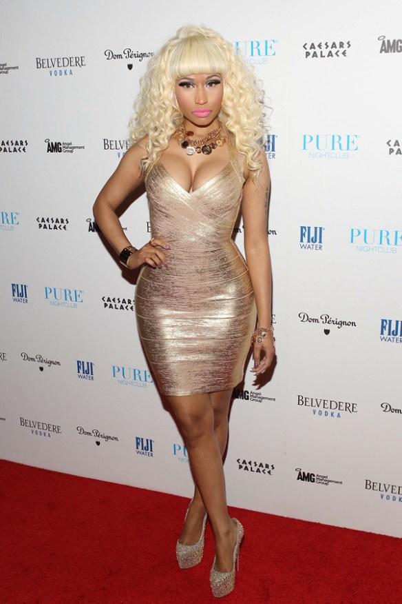 Nicki-Minaj-pulpeuse-sur-le-tapis-rouge