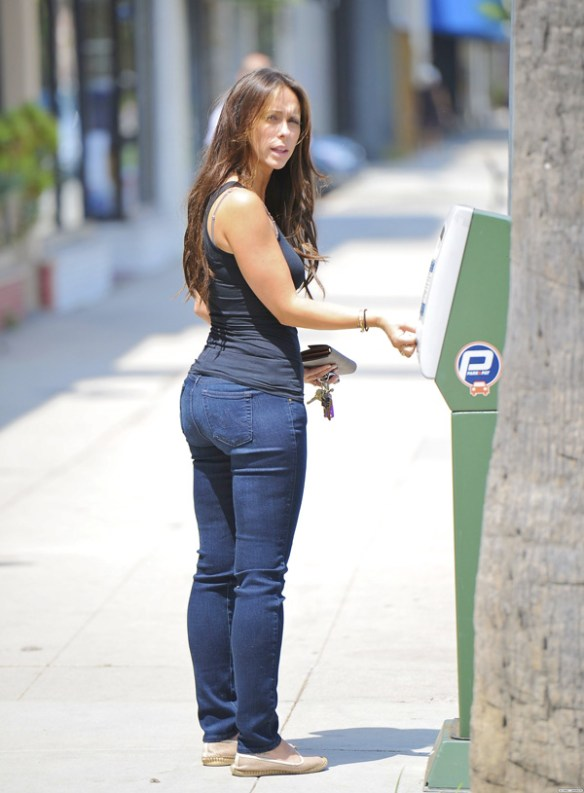 jennifer-love-hewitt-pulpeuse-fesses-ronde
