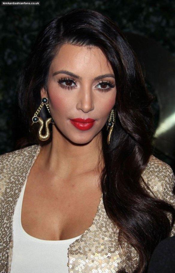 kim-kardashian-bouche-pulpeuse