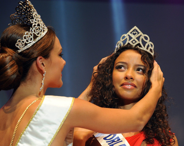 Flora-Coquerel-miss-france-courone-2013