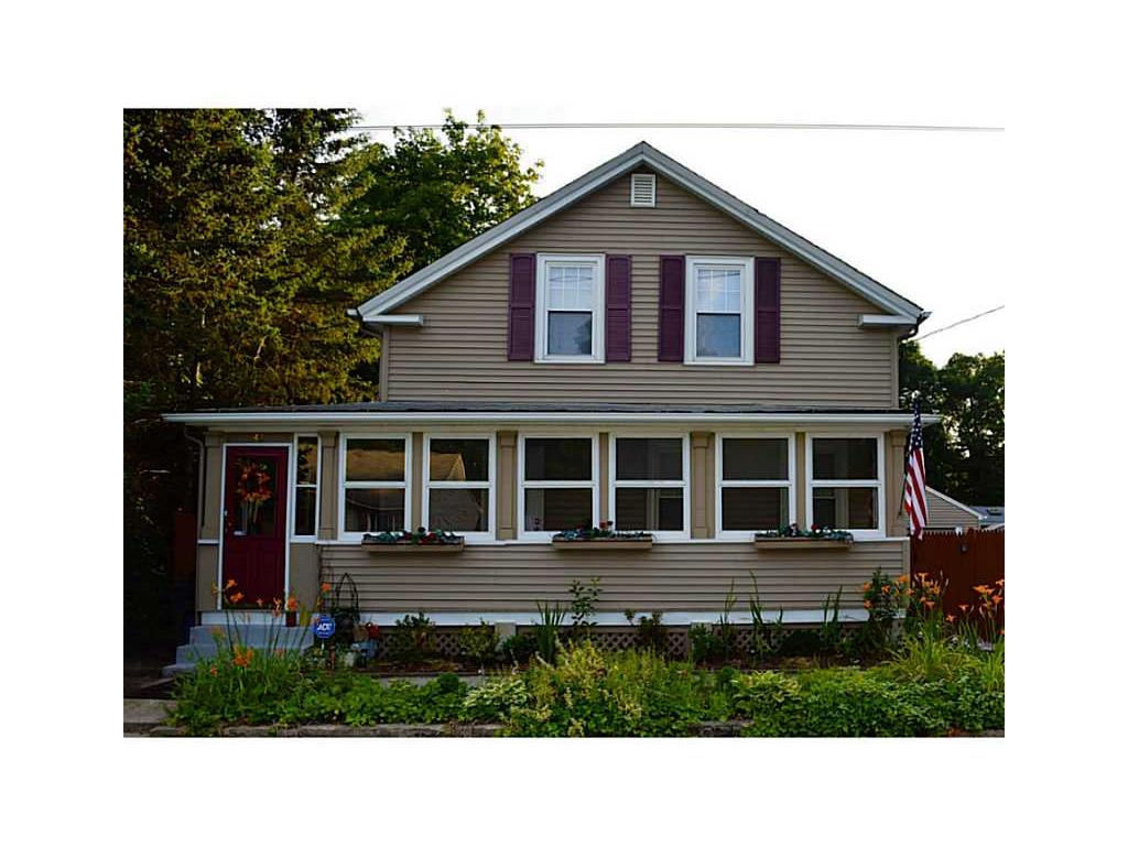 Farmhouse Coventry 42 Benoit St Coventry Ri 02816 Mls 1075268 Movoto