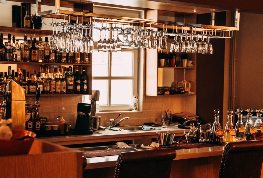 How To Create A Home Bar In Your Interior Design - Design Interieur Bar