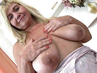 massive mature saggy tits