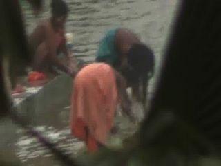 ganga river bathing women