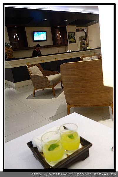 泰國曼谷《Royal View Resort 帝景度假飯店》迎賓飲料.jpg