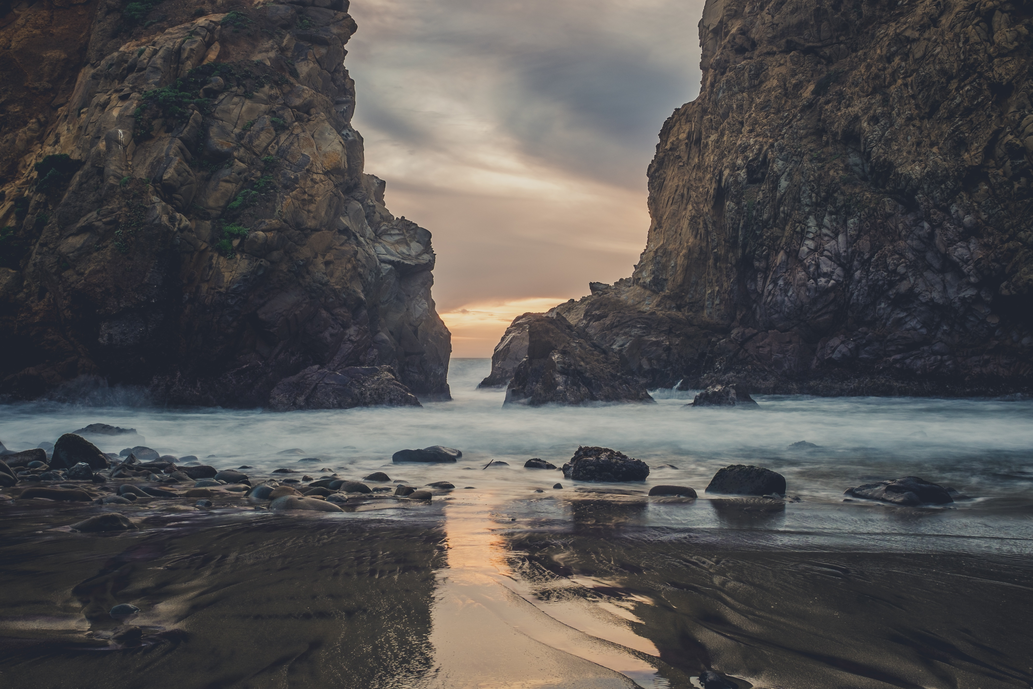 Fall Wallpaper 4d Picalls Com Mountains Rocks On The Beach By Kace Rodriguez