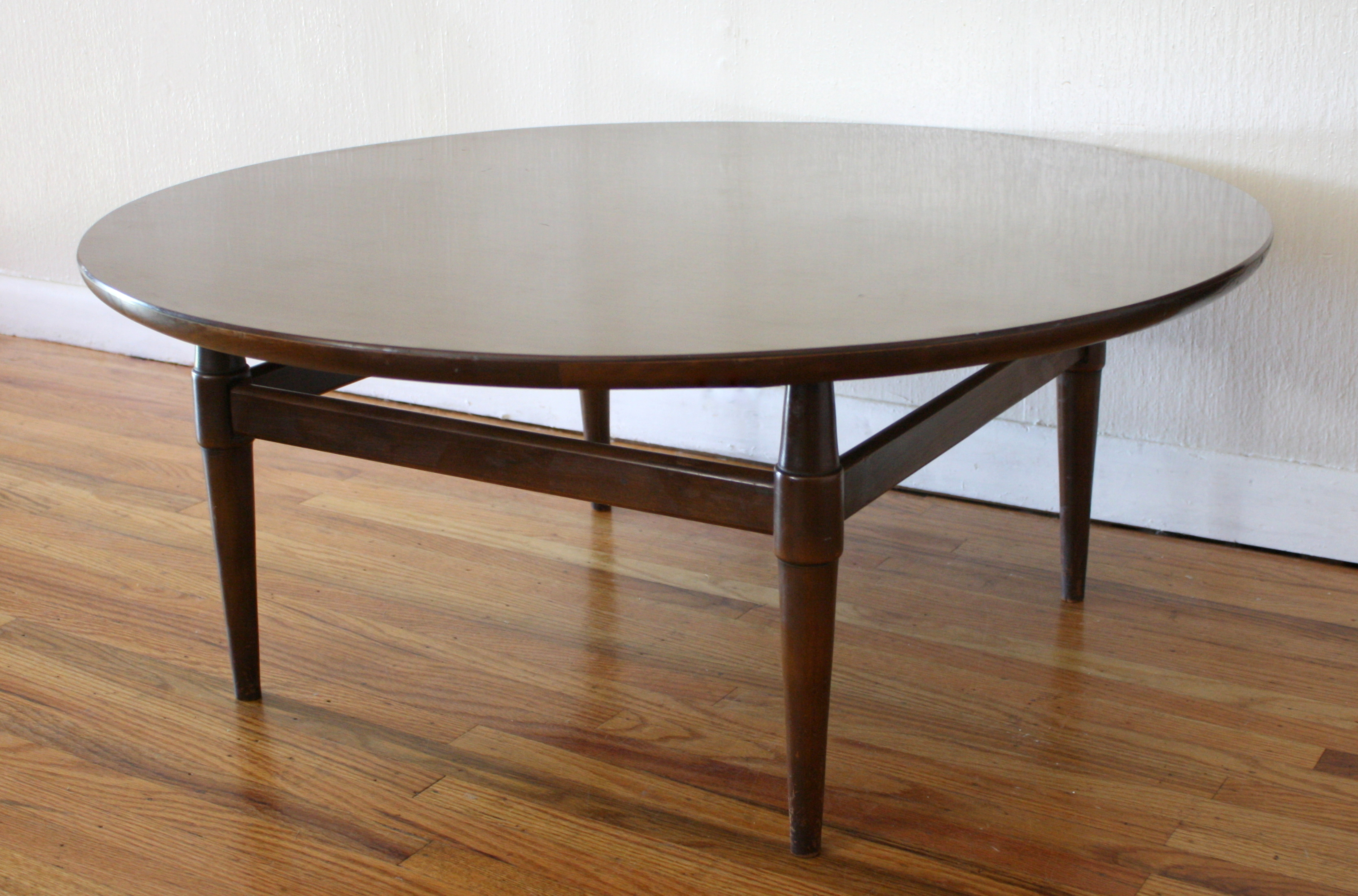 Round Mid Century Coffee Table Mcm Round Coffee Table 4 Picked Vintage