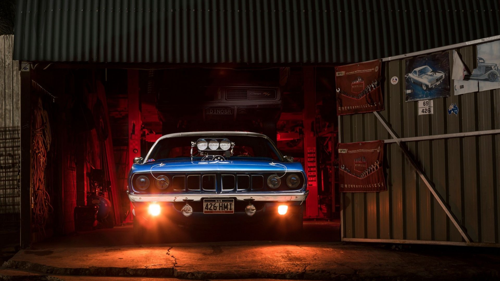 Iphone Muscle Car Wallpapers Desktop Wallpaper Plymouth Barracuda Classic Muscle Car
