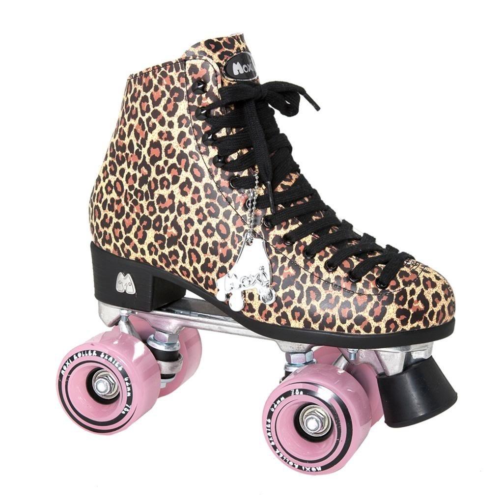 Amazon com moxi ivy jungle outdoor roller skates tan leopard print with moxi juicy pink frost wheels