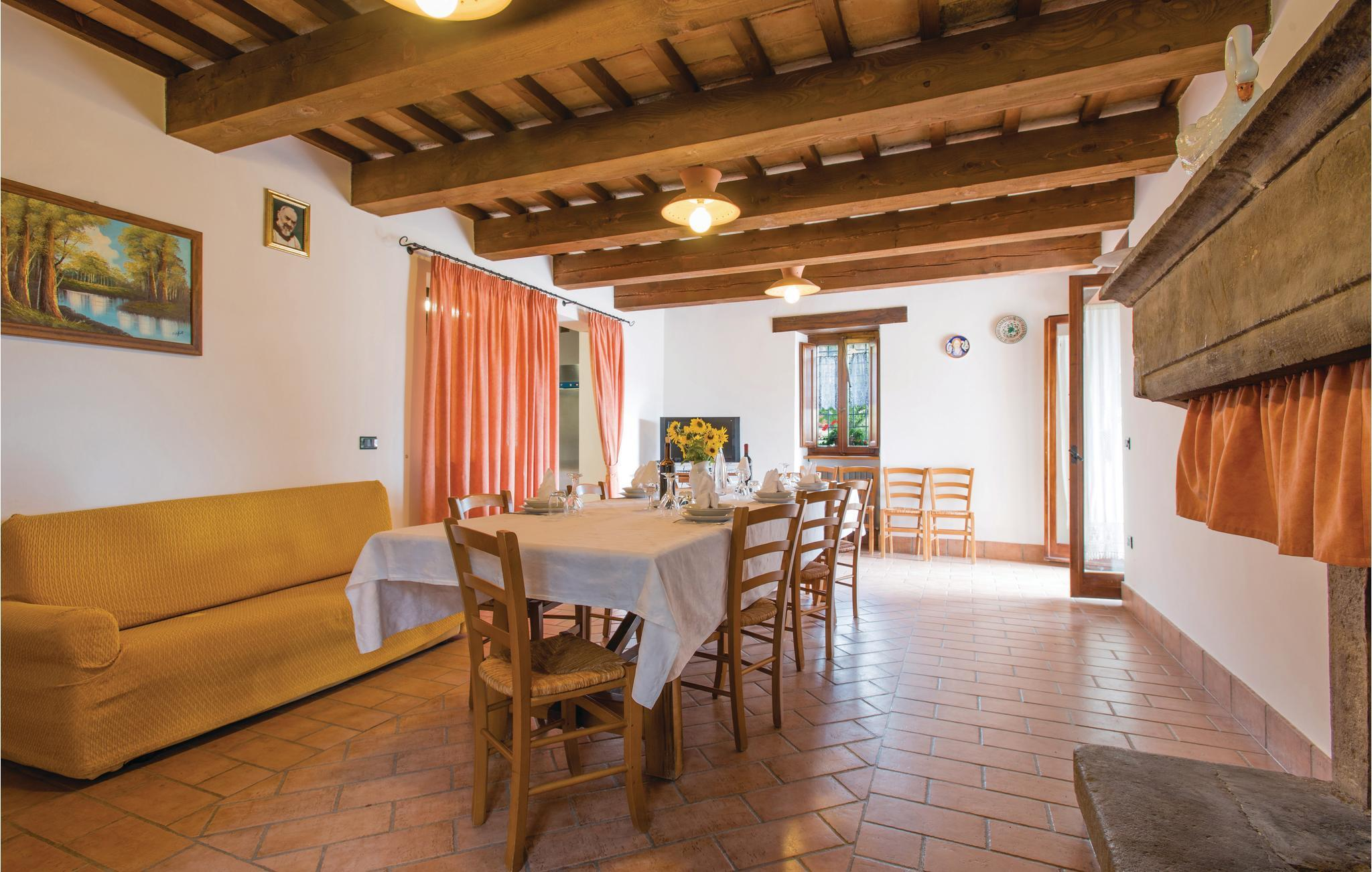 Mittelalter Esszimmer Holiday Home Apartment 10 Persons Monte Scatto Acqualagna 61043 Cagli Pu