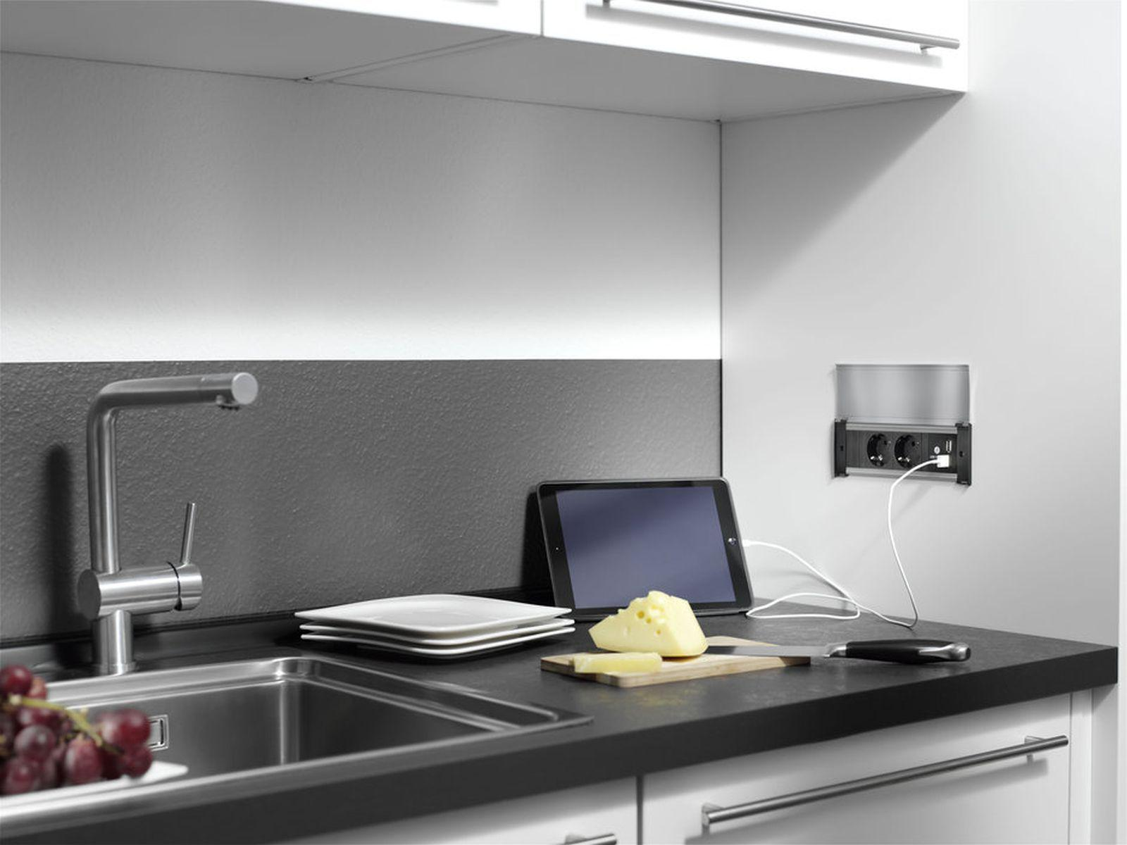 Steckdose Küche | Neue Schwarze Schalter Und Steckdose Der Grauen ...
