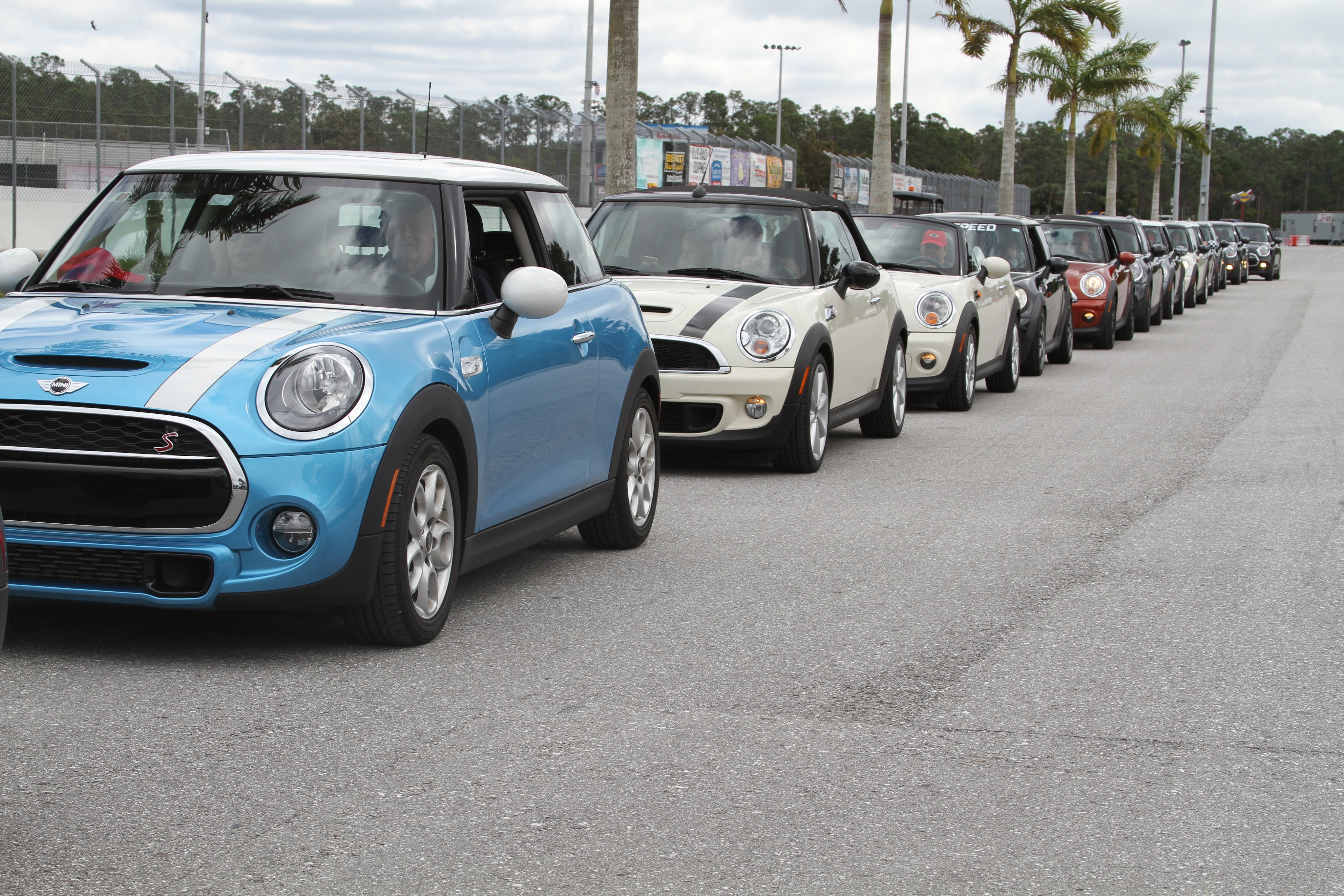 Mini Cooper S Owners Club Bmw Mini Owners Club Specialist Car And Vehicle