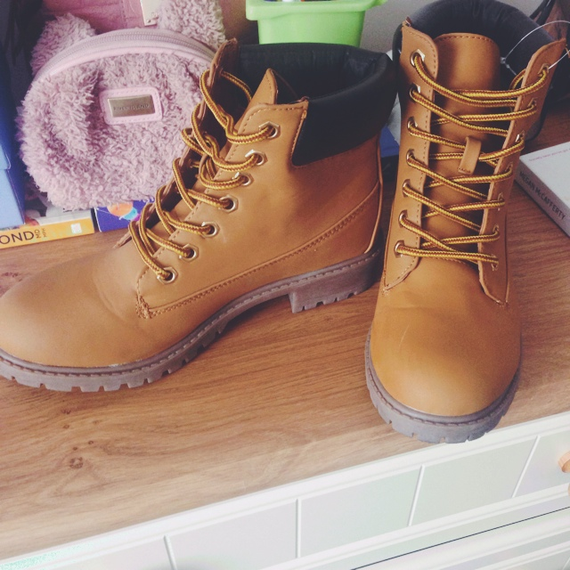 Fake Timberland Style Builder Boots For Ava Mckee