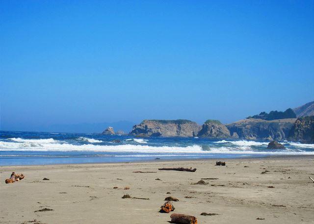 Fort Bragg, CA United States - Sand Waves Mendocino Preferred