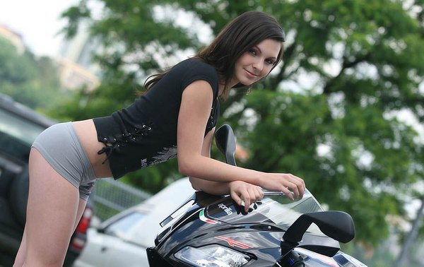 Royal Enfield Cafe Racer Hd Wallpaper Sexy Bikers Brunette Amp Aprilia Rs125 News Top Speed