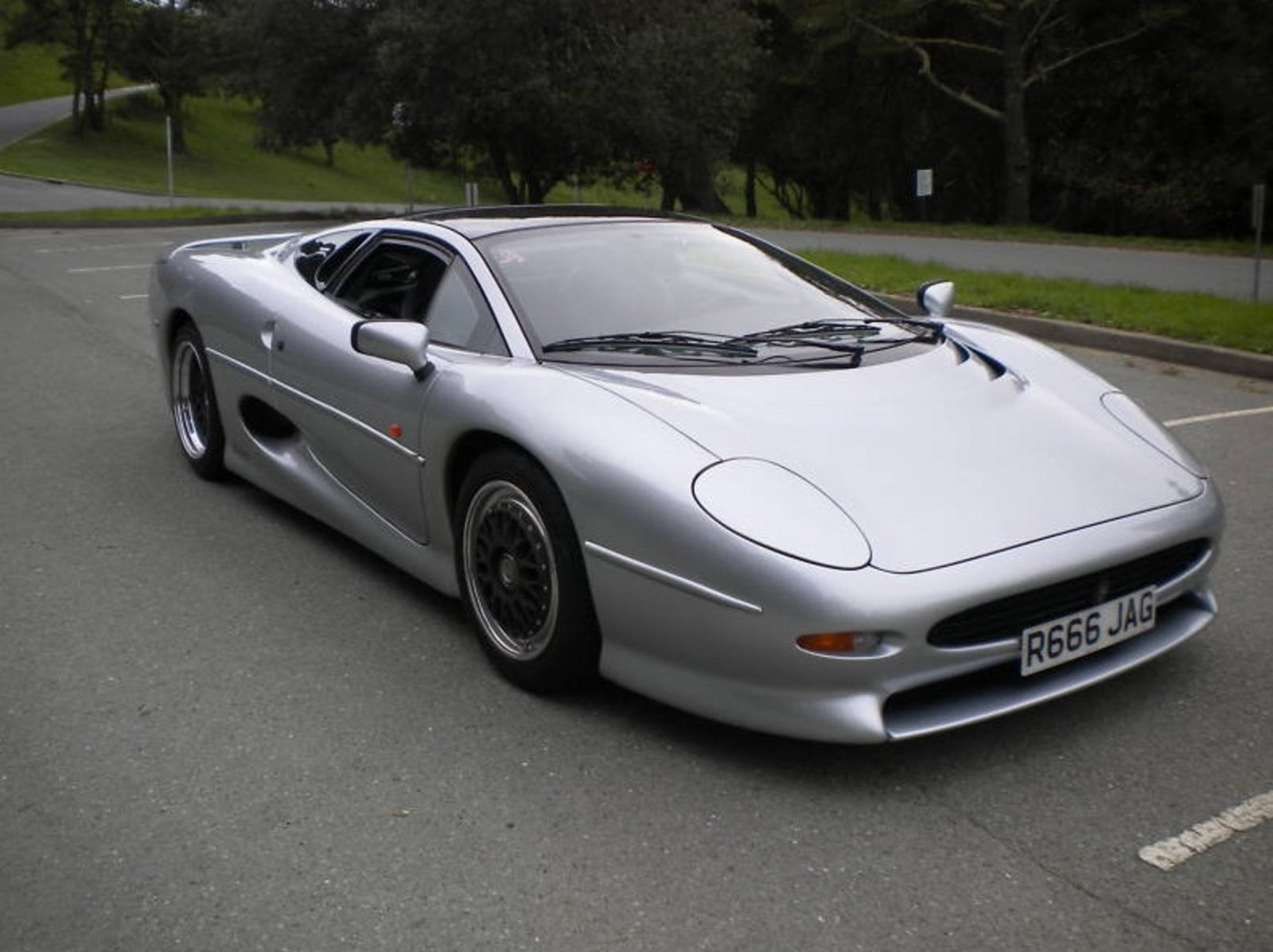 Jaguar Cars News Jaguar Xj220 For Sale On Ebay News Top Speed