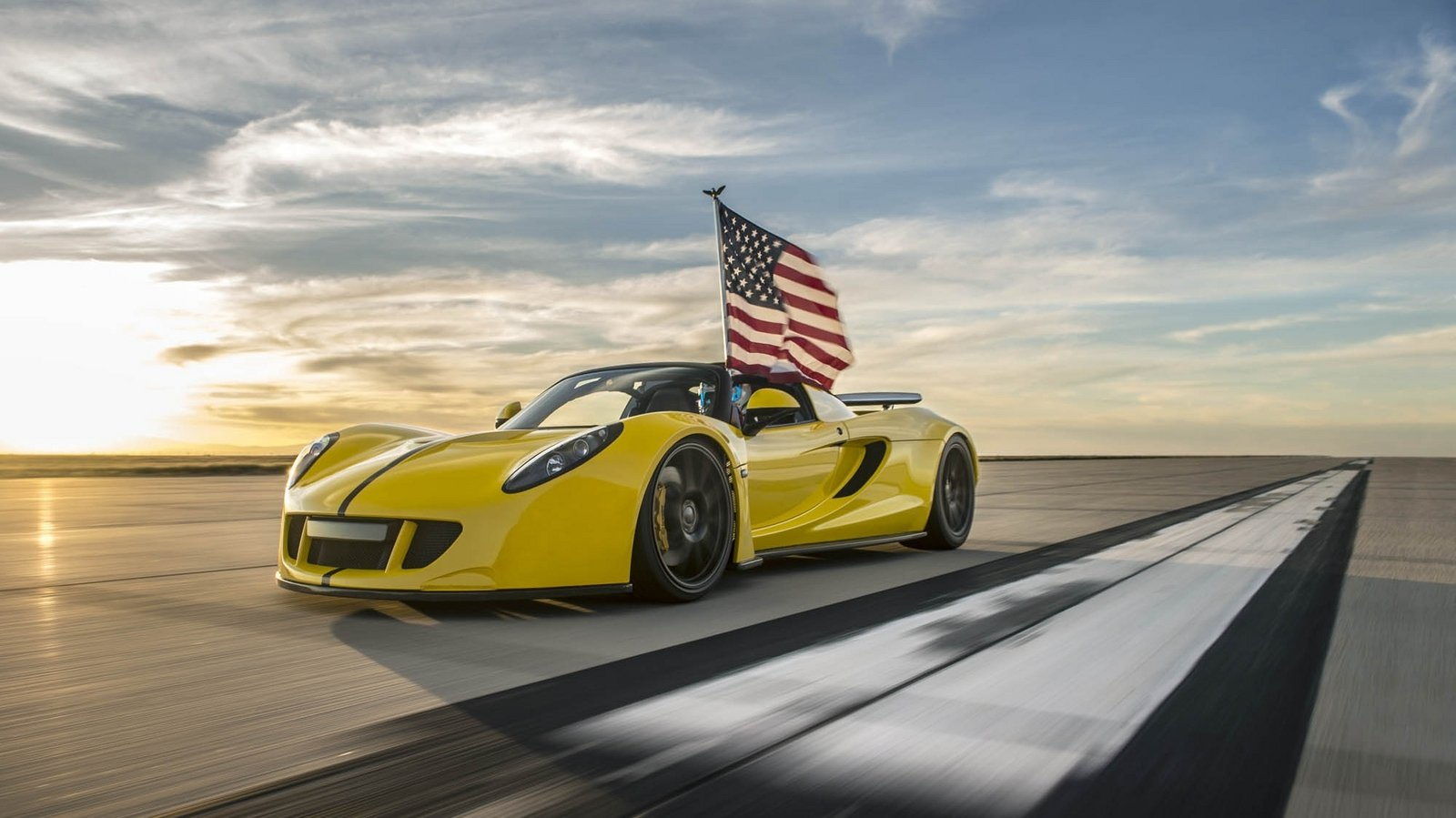 Hennessy Wallpaper Iphone Hennessey Venom Gt Spyder Becomes The World S Fastest