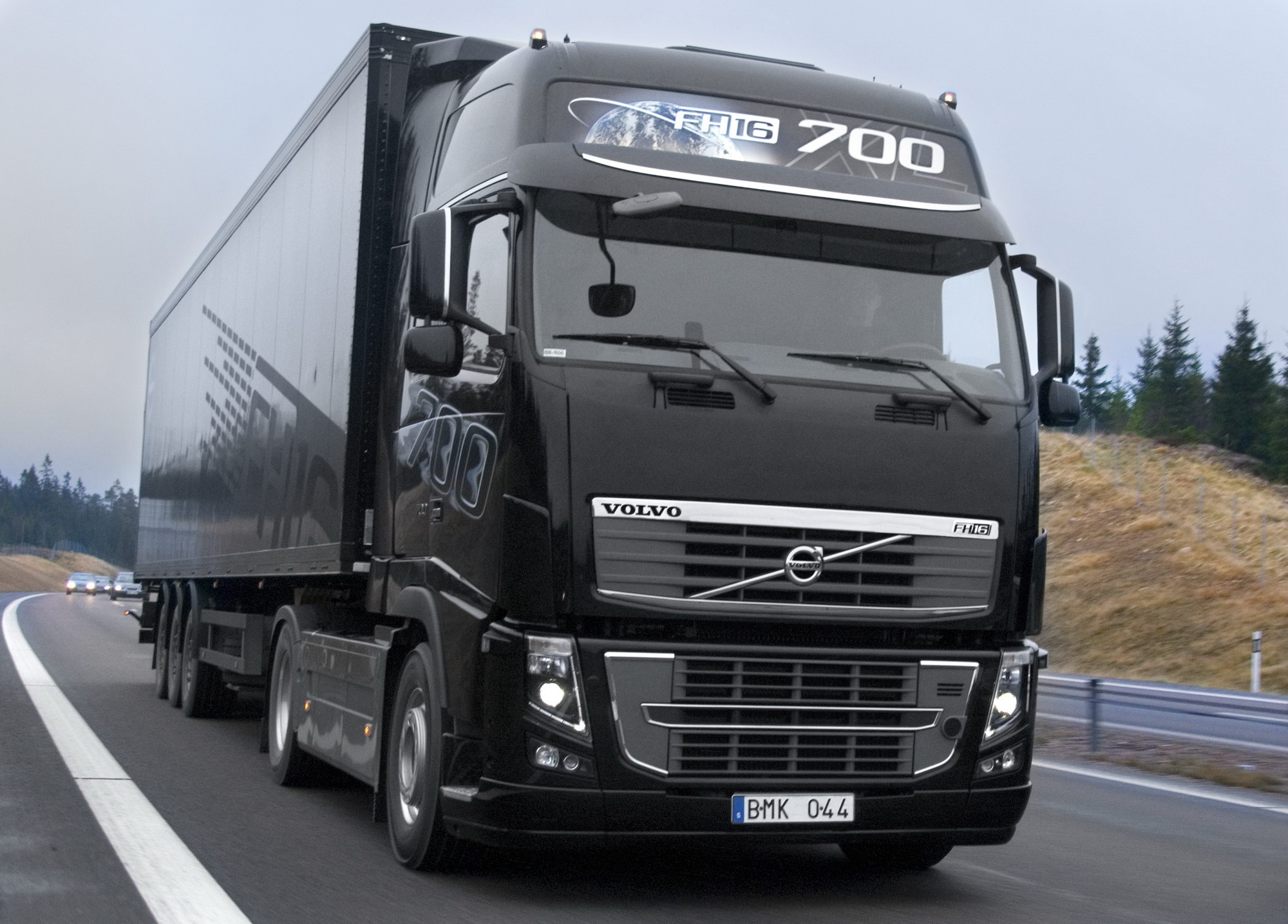 Mahindra And Mahindra Cars Wallpapers Volvo Fh16 Pictures Photos Wallpapers Top Speed