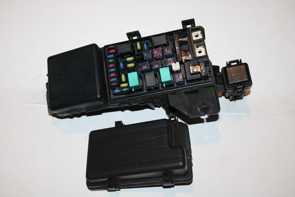 04-08 Acura TSX TSX Sdn AT 24L Under hood Relay Fuse Box Block