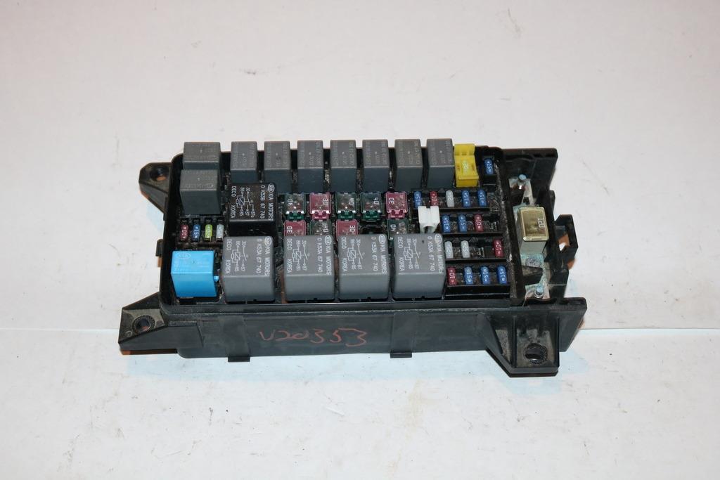 03-10 Kia Sorento LX 4WD MT V6 CYL 35L Under hood Relay Fuse Box