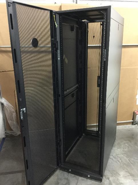 Dell Apc E242296 Netshelter Sx 42u Server Cabinet New
