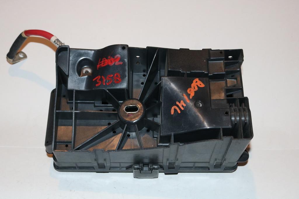 12-12 Buick Regal 20L Under hood Relay Fuse Box Block Panel