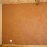 enduit terre sur un mur intérieur