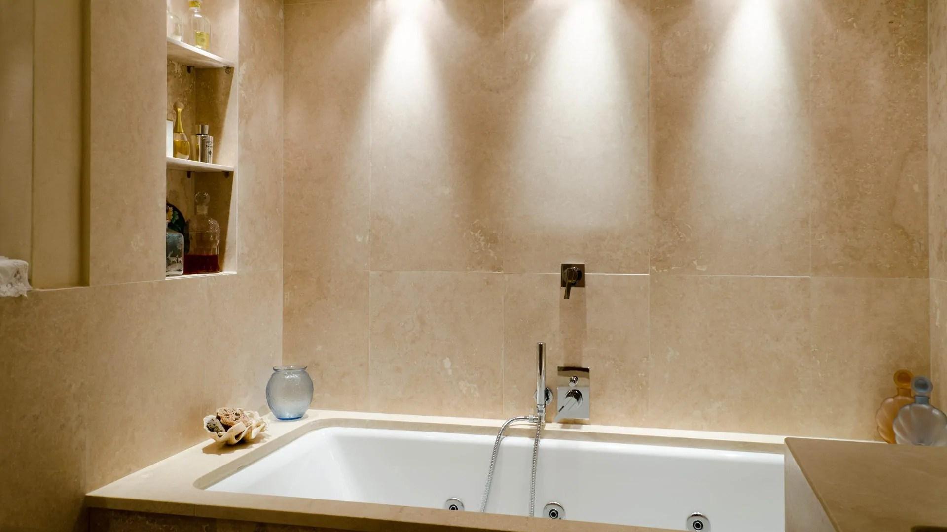 Bagno In Pietra Ricostruita : Rivestimenti bagni in pietra rivestimento bagno effetto pietra
