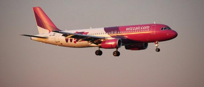 Witzair A320 Final Cologne