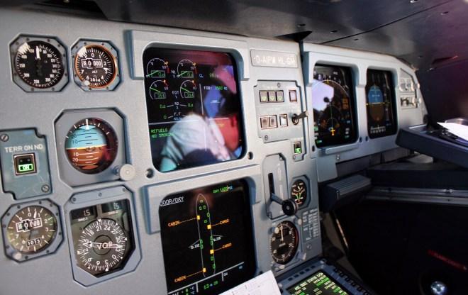 Airbus A320-200 Cockpit, PFD, ND