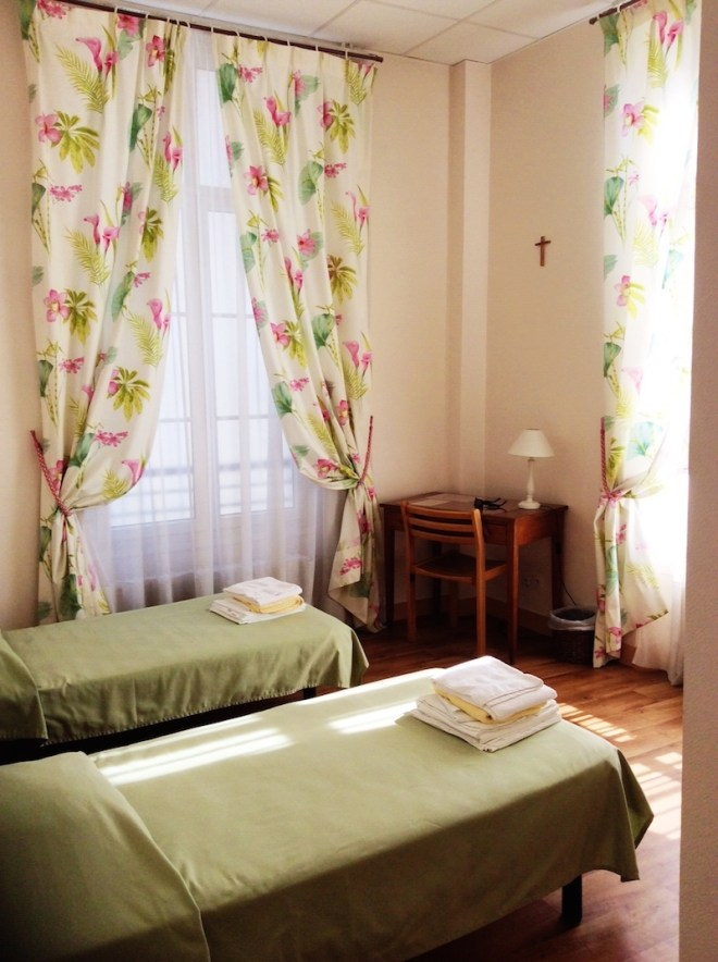 Cheap Accommodation In Paris Archives Pinaytraveller