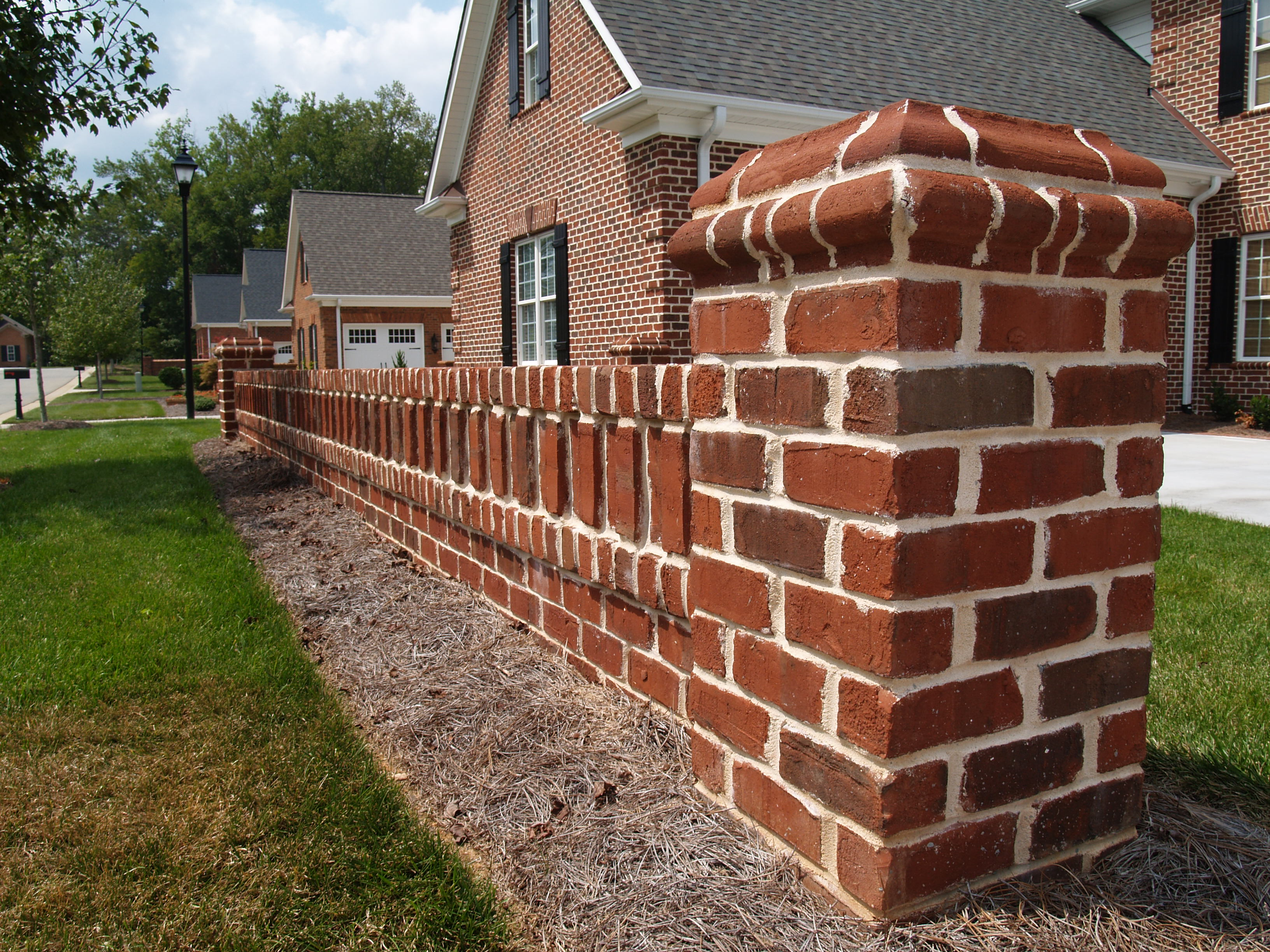 Modern Retaining Wall Design Options And Shapes - Pine Hall Brick, Inc.