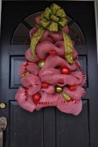 Best Christmas DIY Door Decorations - Pink Lover