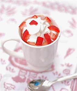 Strawberries &amp; Cream Mug Cake (1/6)