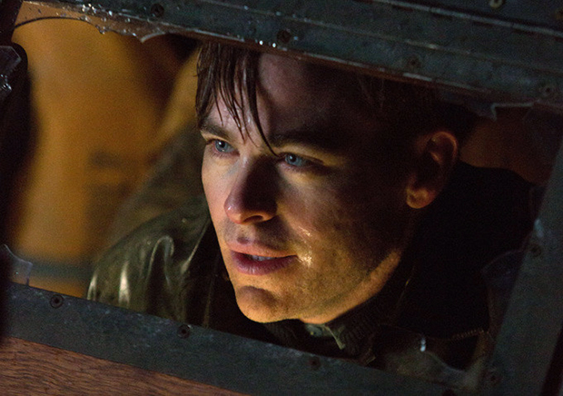 Horas Decisivas: Chris Pine enfrenta a fúria do mar em trailer legendado
