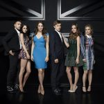 Atrizes de The Royals ecoam acusações do elenco de One Tree Hill contra criador da série