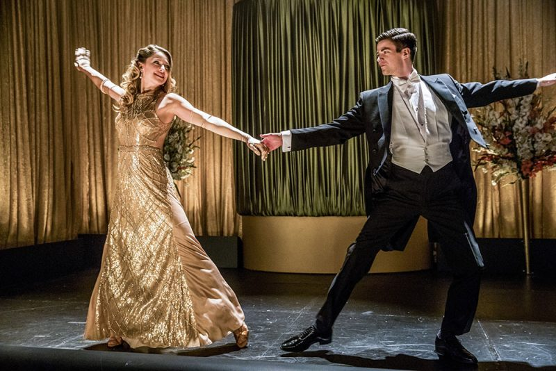 Crossover musical entre Supergirl e The Flash ganha 68 fotos