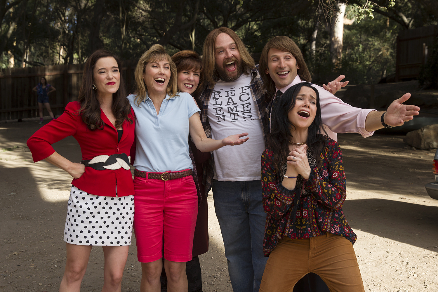 Trailer da 2ª temporada de Wet Hot American Summer mostra os personagens nos anos 1990