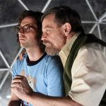 Destaque do Festival de Sundance, Brigsby Bear reúne Mark Hamill e humoristas do SNL em trailer