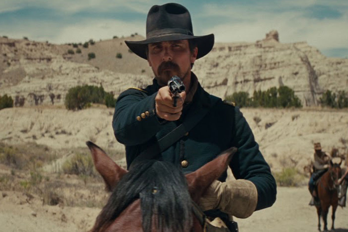 Christian Bale enfrenta índios no trailer do western Hostiles