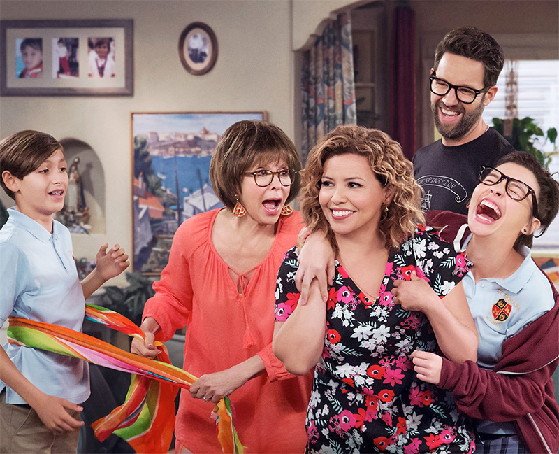 Remake de One Day at a Time recria abertura da série original de 1975 para anunciar 2ª temporada