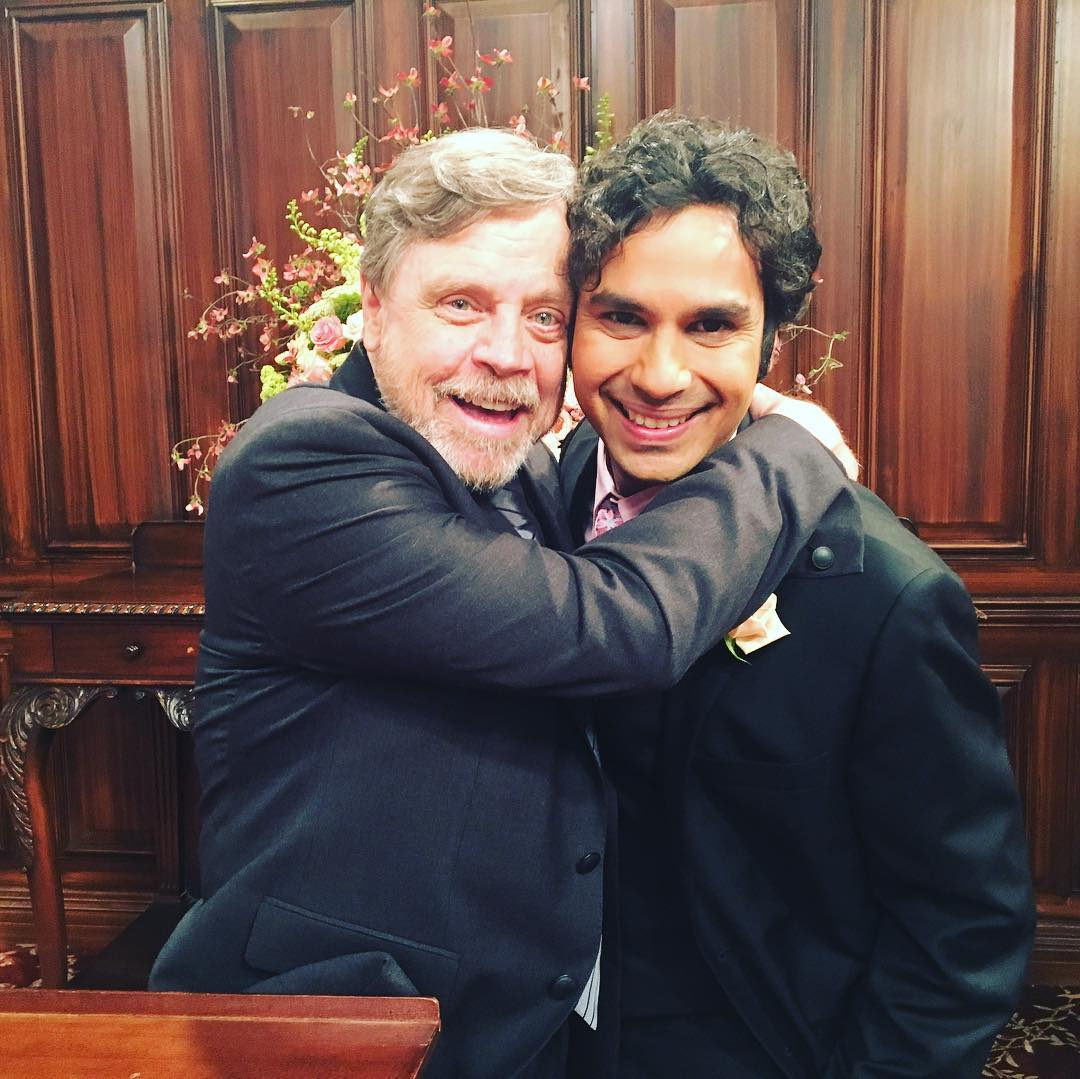 Kunal Nayyar compartilha foto com Mark Hamill nos bastidores de The Big Bang Theory