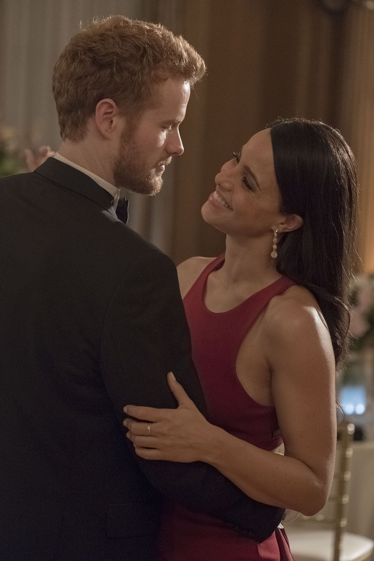 Telefilme do romance de Meghan Markle e príncipe Harry ganha 41 fotos