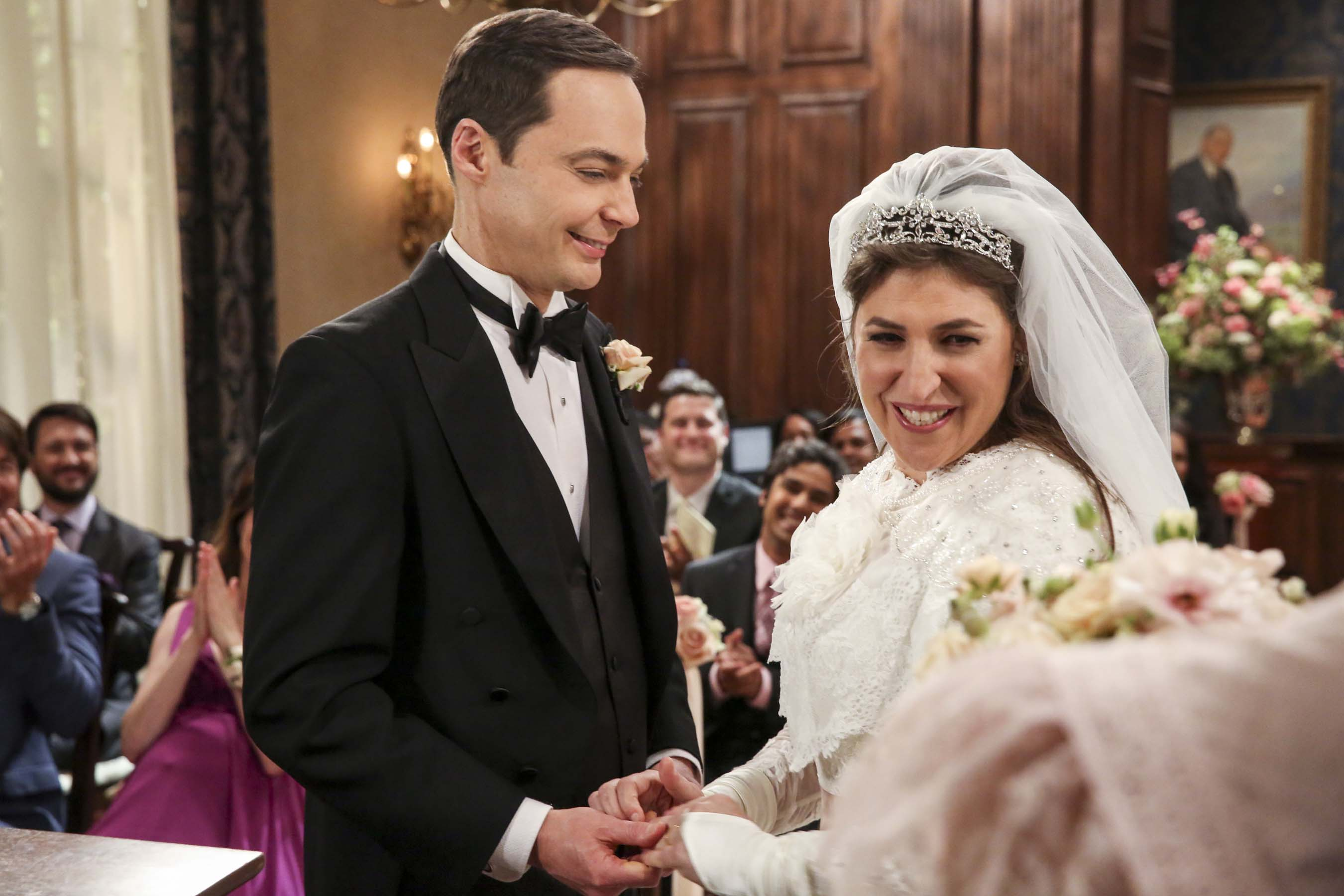 The Big Bang Theory: Casamento de Sheldon e Amy ganha 35 fotos