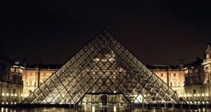 まとめ ピラミッド型建物 フリー素材