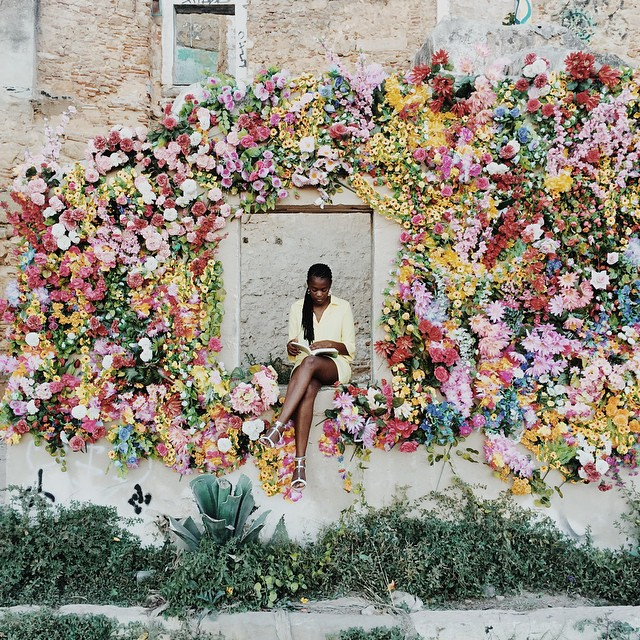 colorful floral wall inspriation from FASHION SAMBAPITA via www.pithandvigor.com