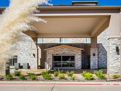 Sleep Inn & Suites Longview North Photo Entrance