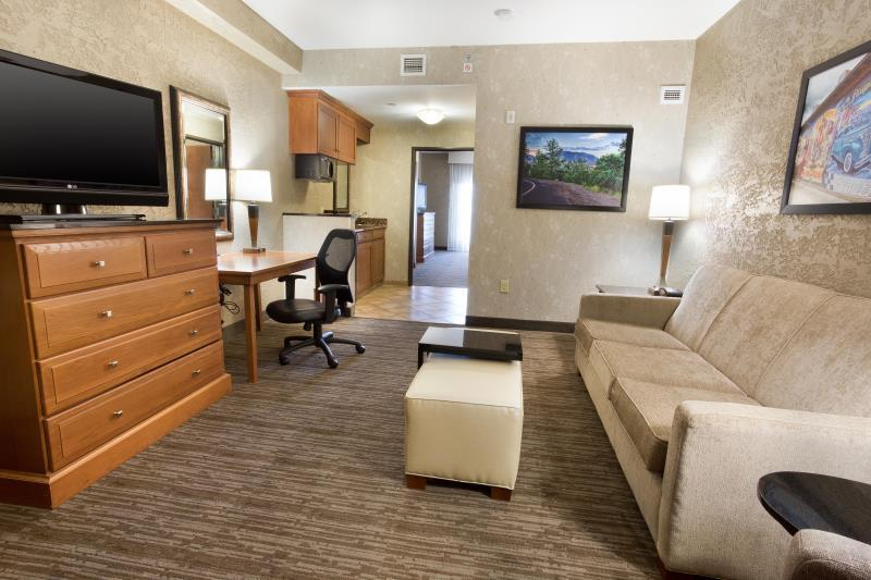 2 Room Terrace Suite with 1 King Bed Non Smoking Drury Inn and Suites Flagstaff
