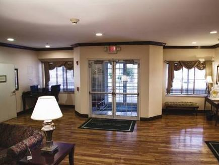 Country Inn and Suites Gurnee Photo Lobby